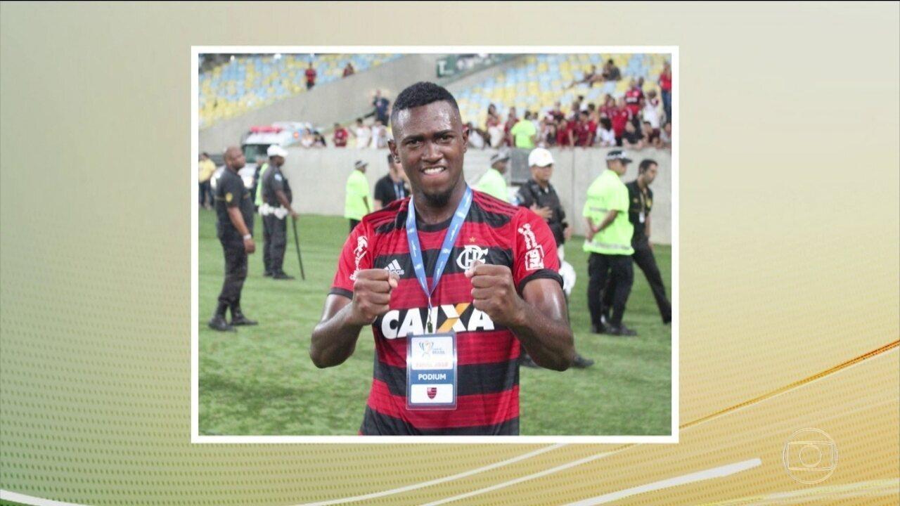 Jogador da base do Flamengo fala sobre colegas que morreram no incêndio