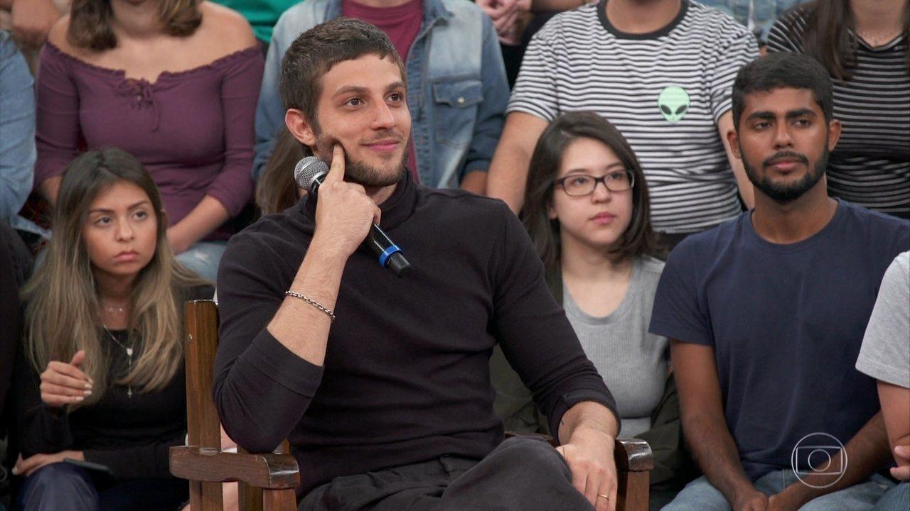 Serginho revela que já conversou com Chay Suede para quadro no Altas Horas