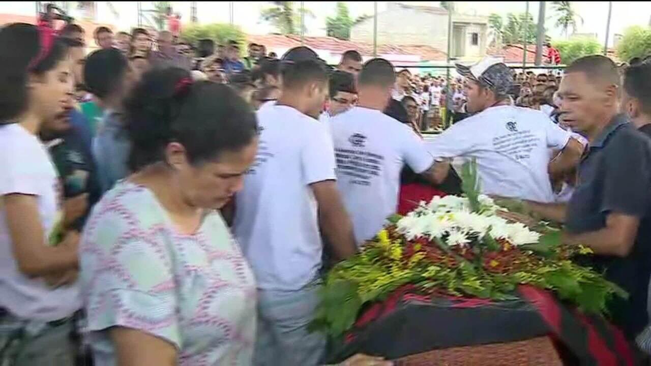 Limeira (SP) se despede de Rykelmo de Souza Viana, vítima do incêndio no alojamento do Fla