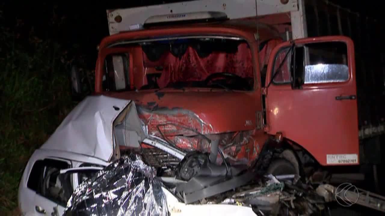 Motorista de carro morreu em acidente na BR-267 em Juiz de Fora