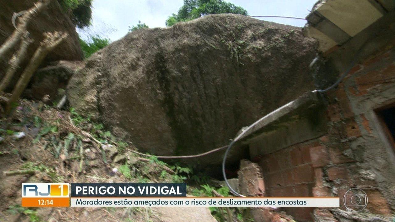 Moradores do Vidigal estão ameaçados com risco de deslizamentos das encostas