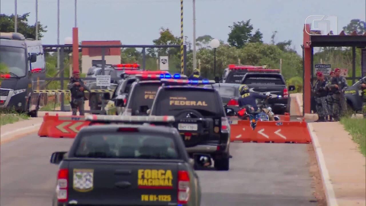 Veja a chegada de presos de facção criminosa no Presídio Federal de Brasília