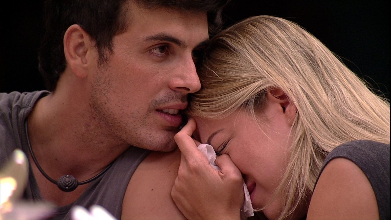 Isabella chora e Maycon promete Anjo para sister