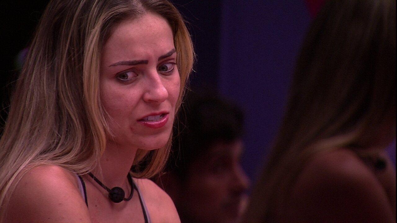 Paula repreende plano de Isabella: 'Que falsidade com a Tereza'