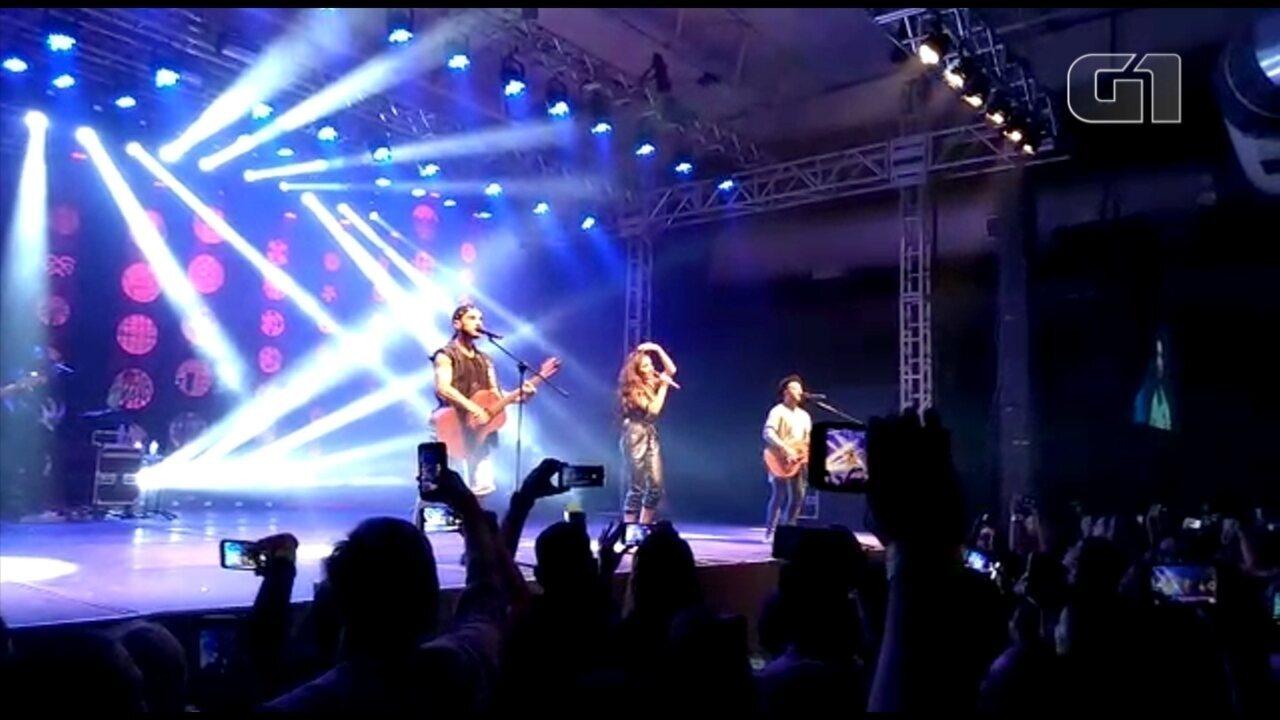 Banda Melim canta 'Meu Abrigo' durante show em Sorocaba