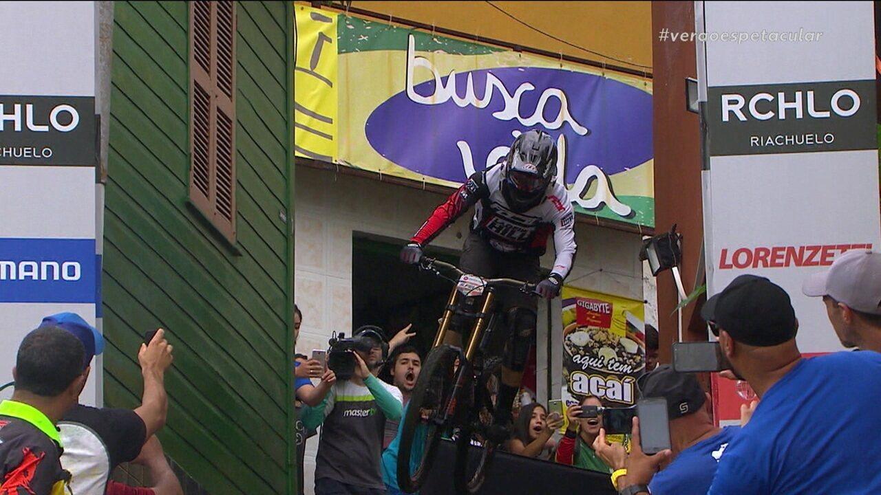Júnior Felix é o vencedor da 17ª etapa da Descida das Escadas de Santos