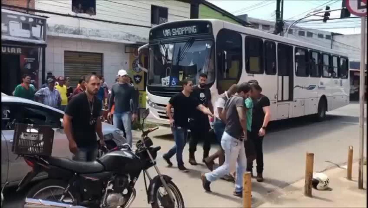 Jovens são presos em flagrante por roubo no Tabuleiro