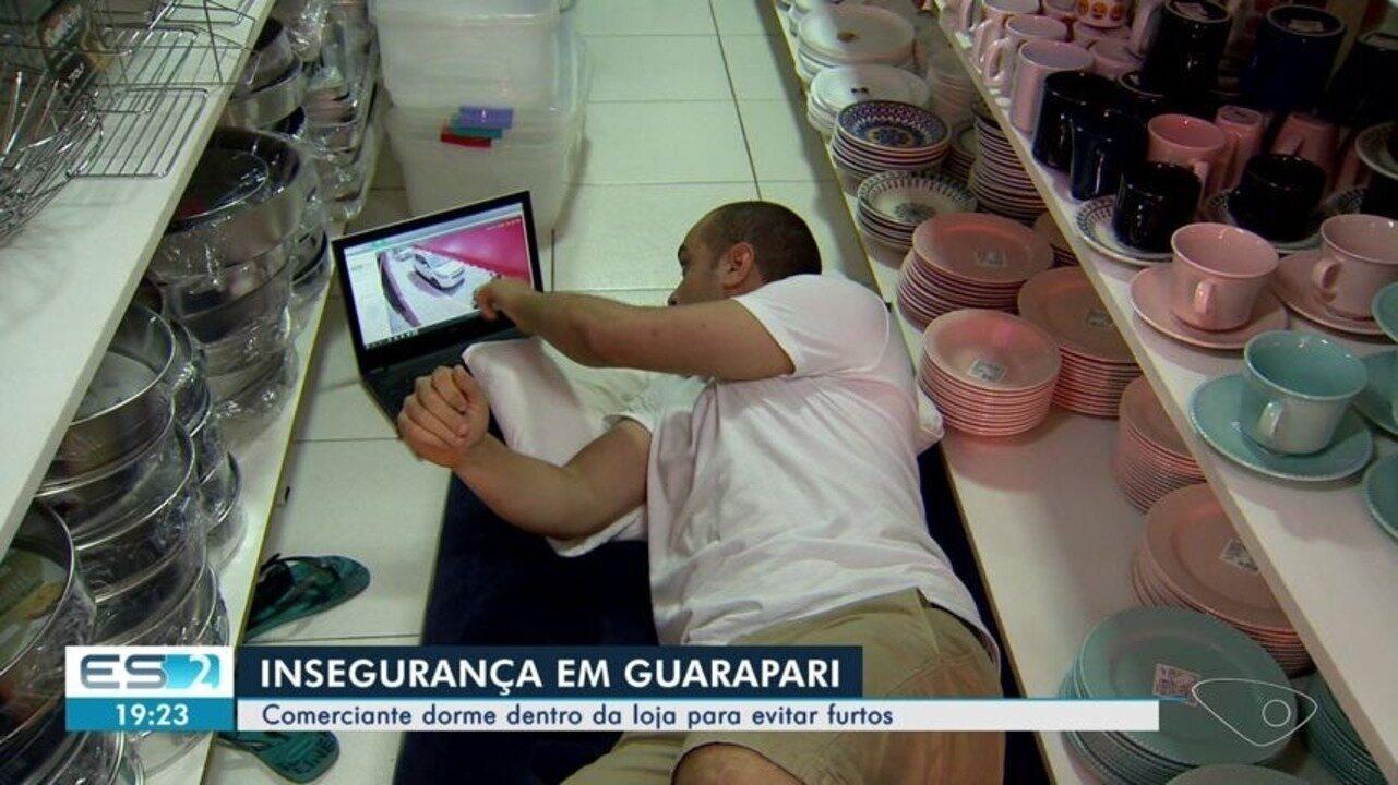 Após arrombamentos, comerciante dorme em loja para evitar novos crimes, em Guarapari