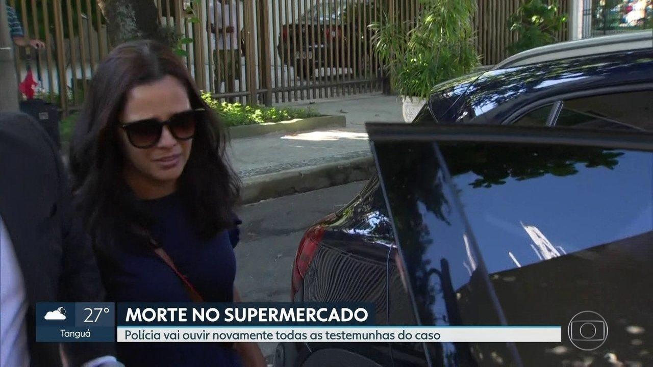 Mãe de jovem estrangulado em supermercado presta depoimento à polícia