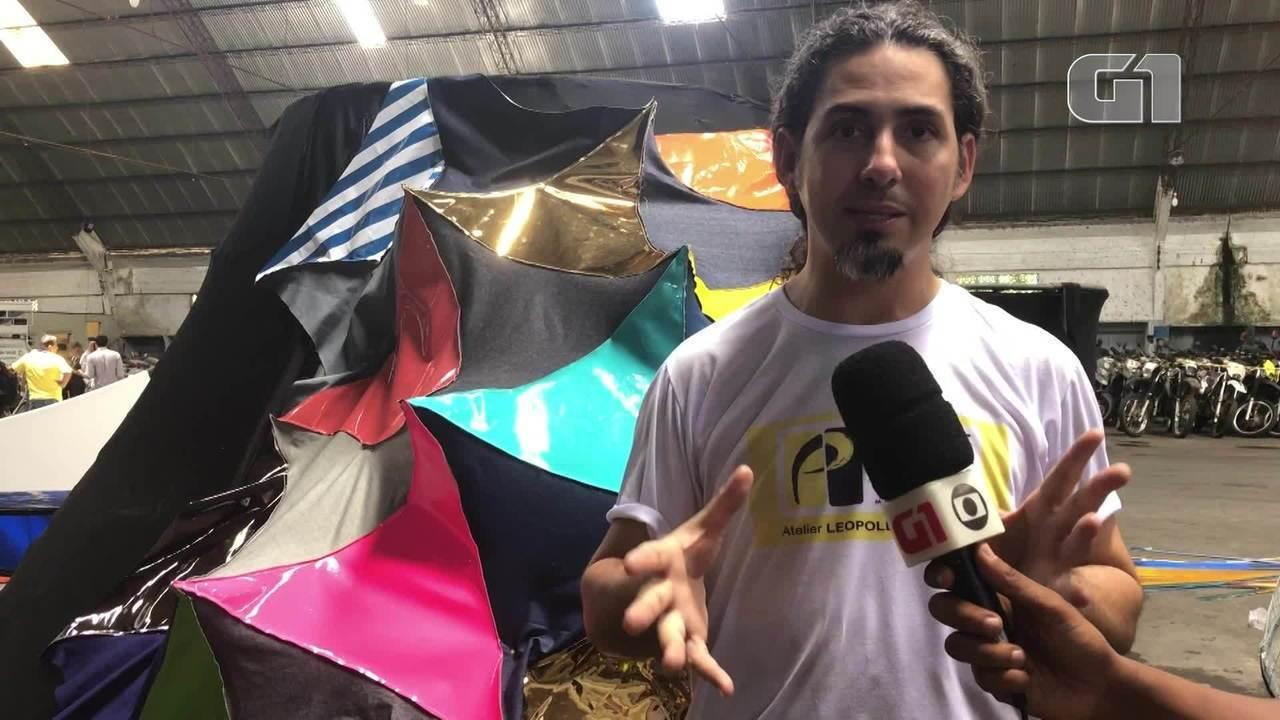 Artista plástico detalha a estrutura usada para vestir o Galo Gigante do carnaval do Recife