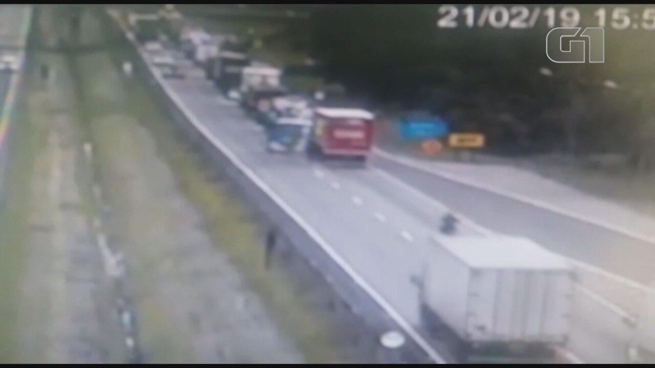 Vídeo registra acidente que vitimou fatalmente motorista na Régis Bittencourt