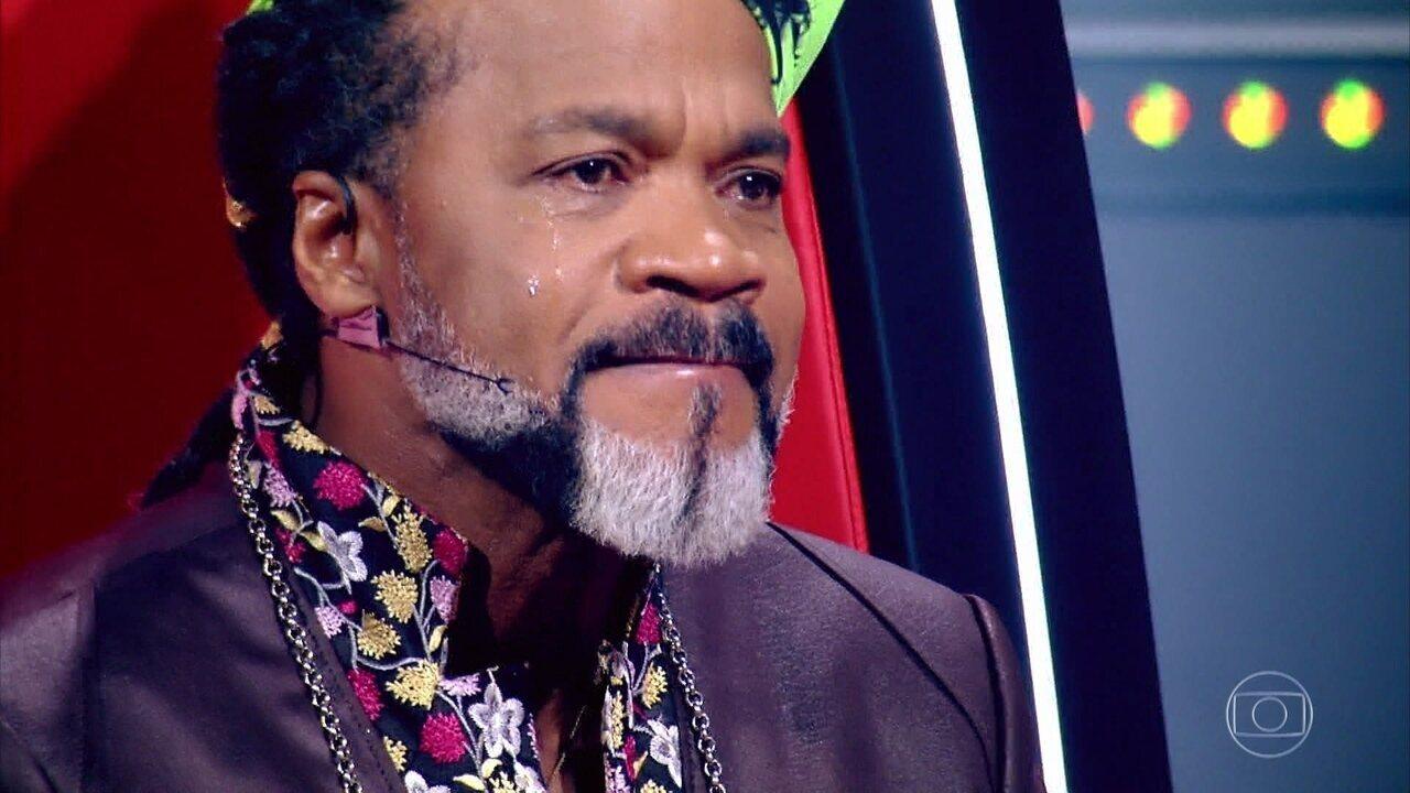 Carlinhos Brown se emociona em batalha de Luigi Oliveira, Alex Novais e Adônis Tavares