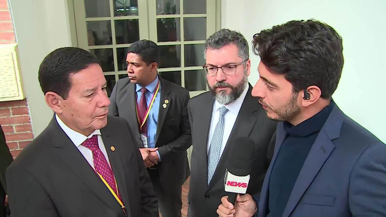 Hamilton Mourão e Ernesto Araújo falam sobre crise na Venezuela