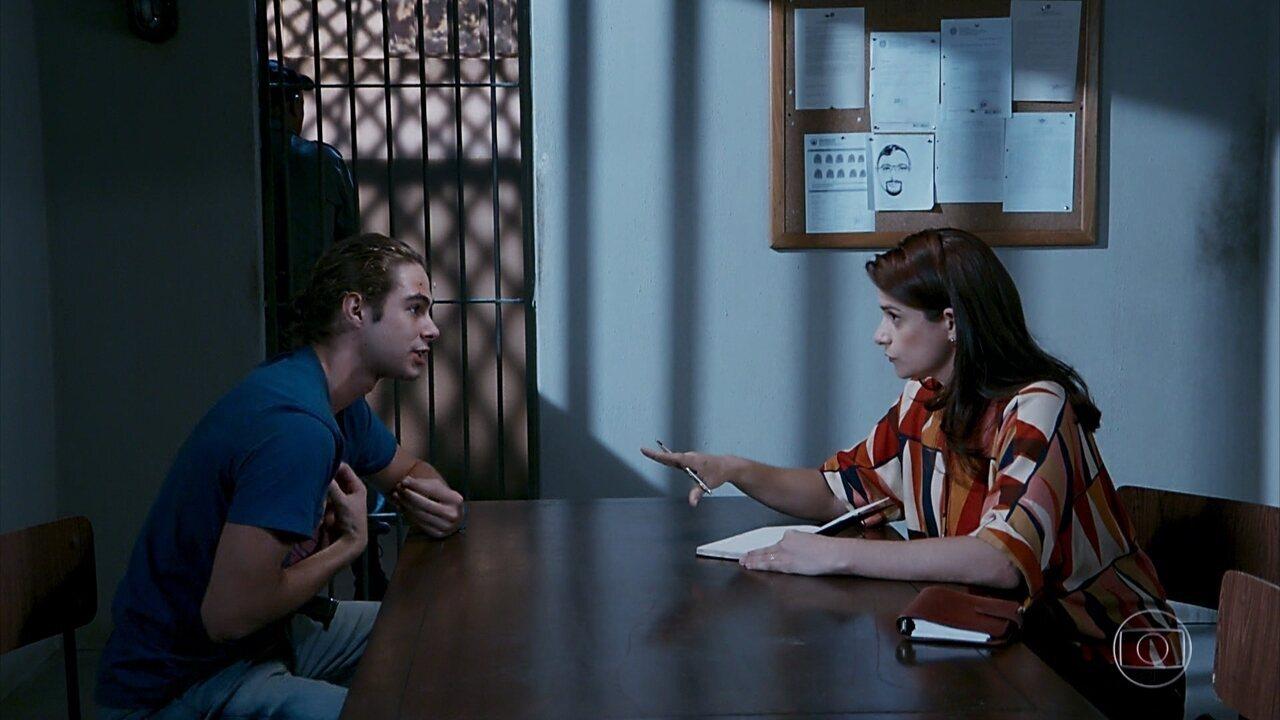 João (Rafael Vitti) tem certeza que Jerônimo (Jesuíta Barbosa) está por trás do Crime da Joatinga