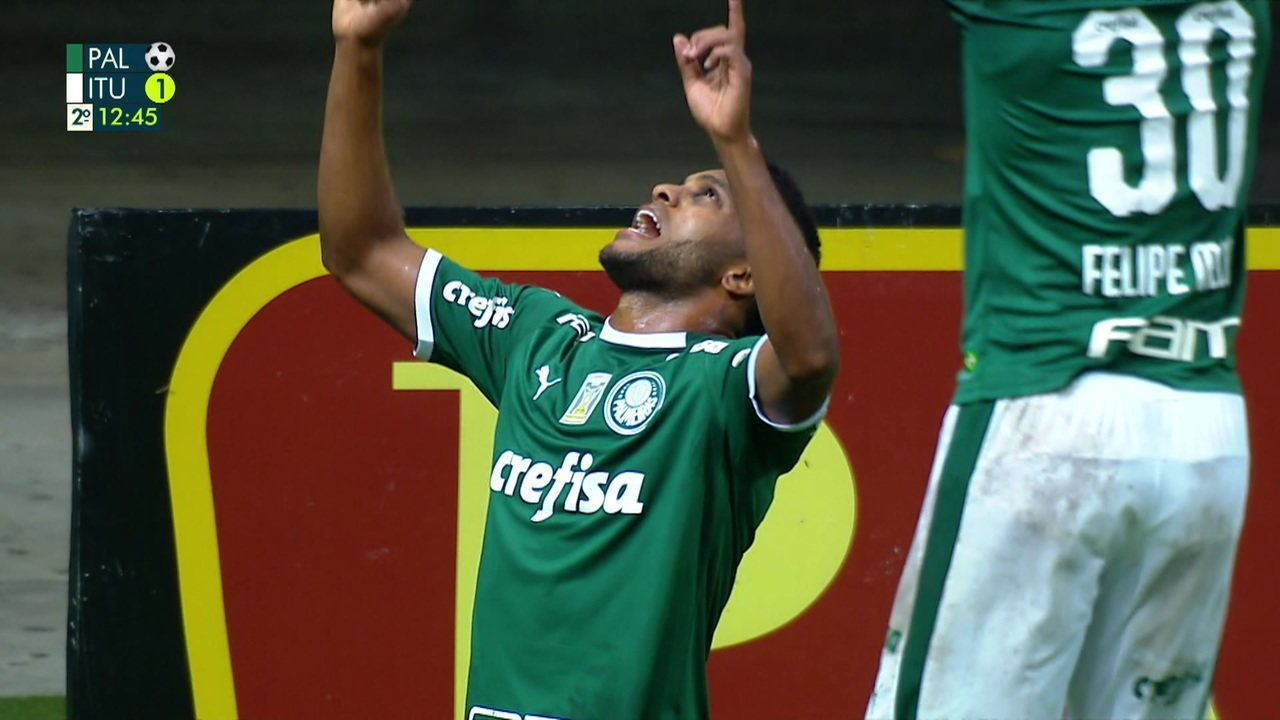 Gol do Palmeiras! Ricardo Goulart ajeita bonito para Borja empurrar para o gol aos 12' do 2º tempo