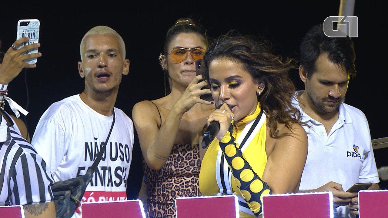 Carnaval 2019: Anitta canta 'Faraó' no trio elétrico em Salvador