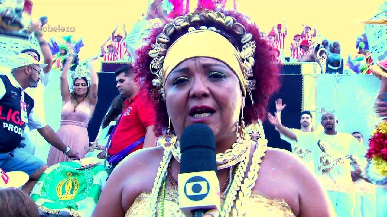 Mulher de Arlindo Cruz se emociona após desfile da X-9