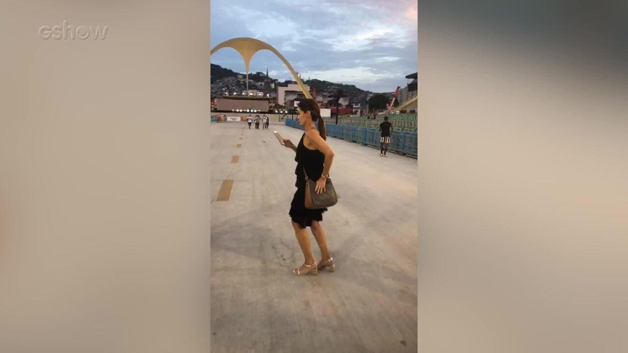 Fátima, feliz da vida no Sambódromo, em vídeo feito por Melissa Paladino, caracterizadora da apresentadora no 'Encontro'