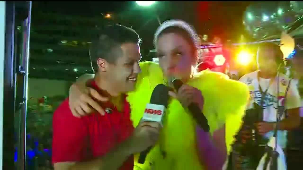Ricardo Abreu canta com Ivete Sangalo em trio