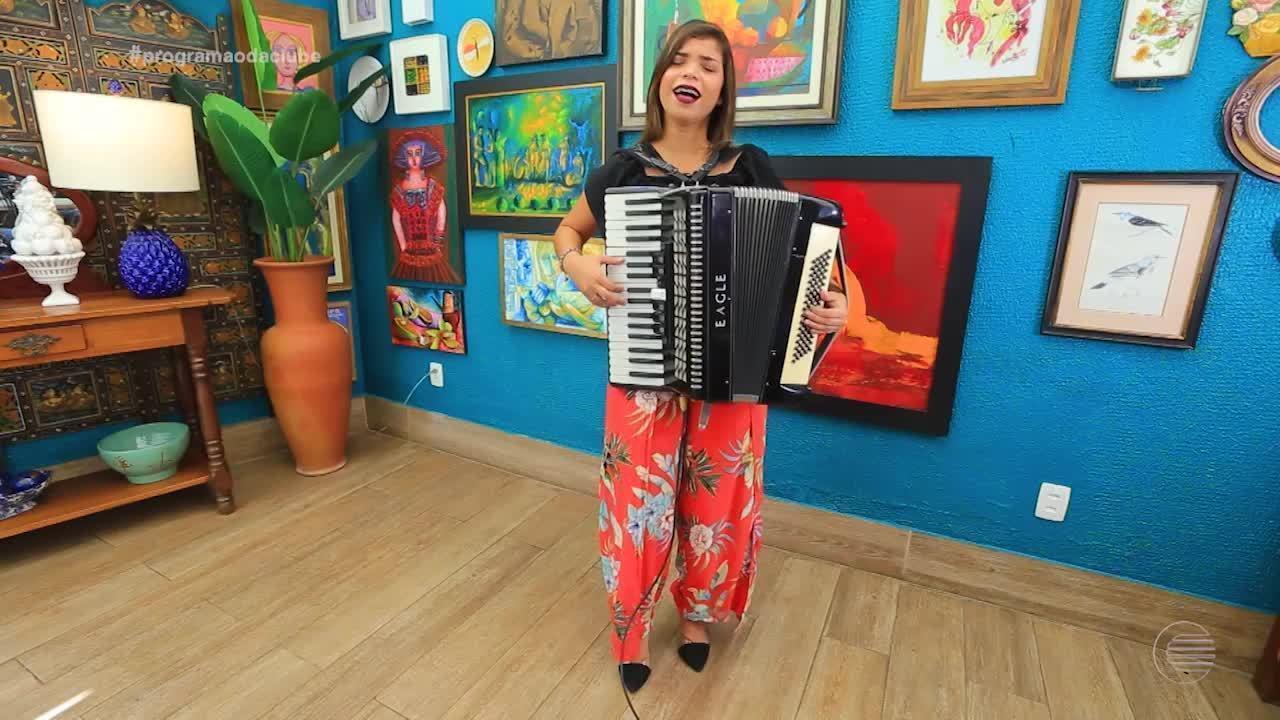 Sanfoneira Pamela Lima anima a tarde deste sábado do Programão