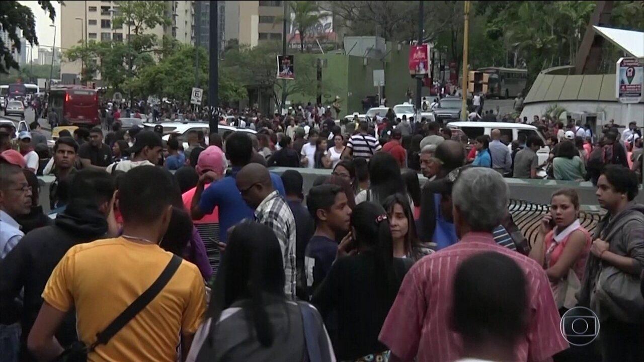 Novo apagão atinge a Venezuela e agrava a crise na saúde