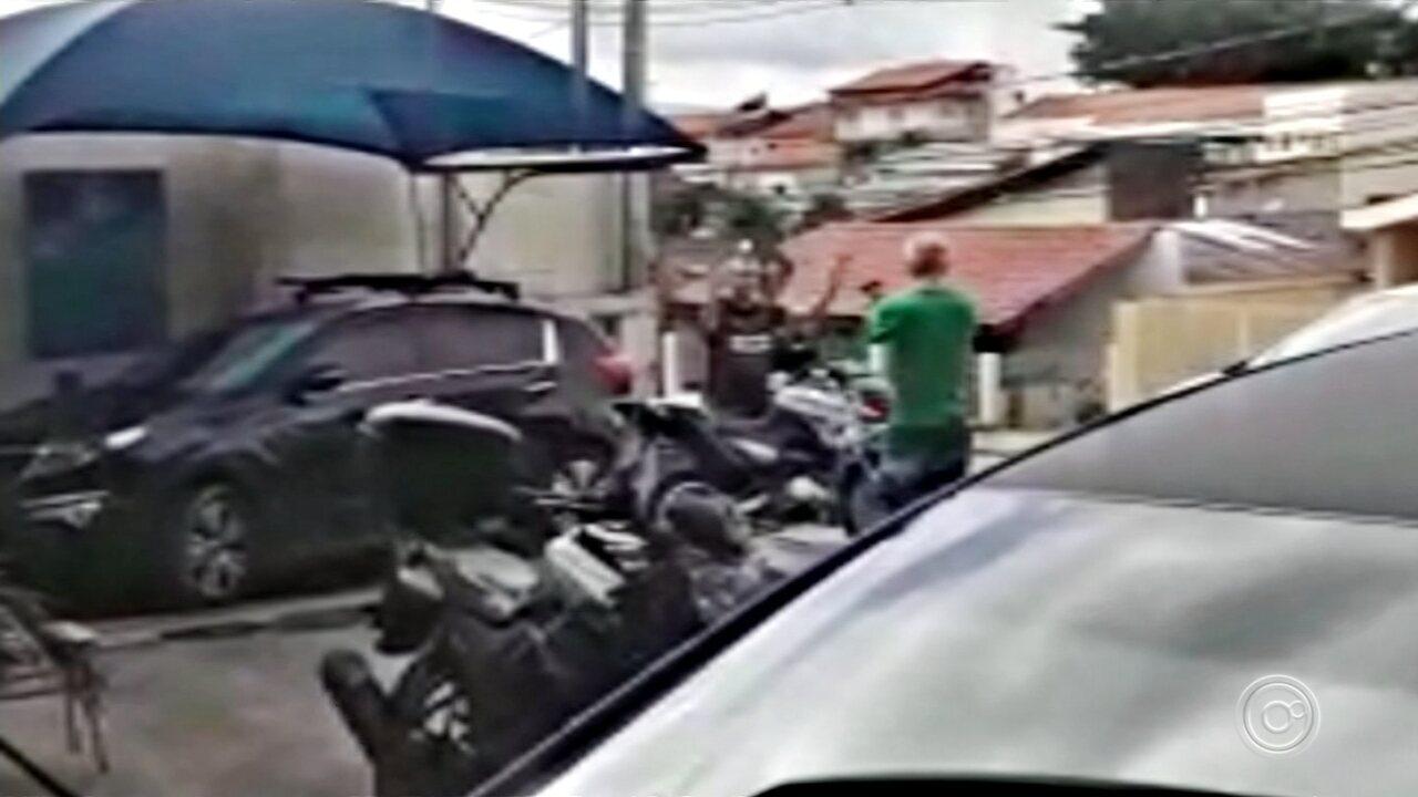 Imagens mostram PM sendo baleado por médico após discussão em Votorantim