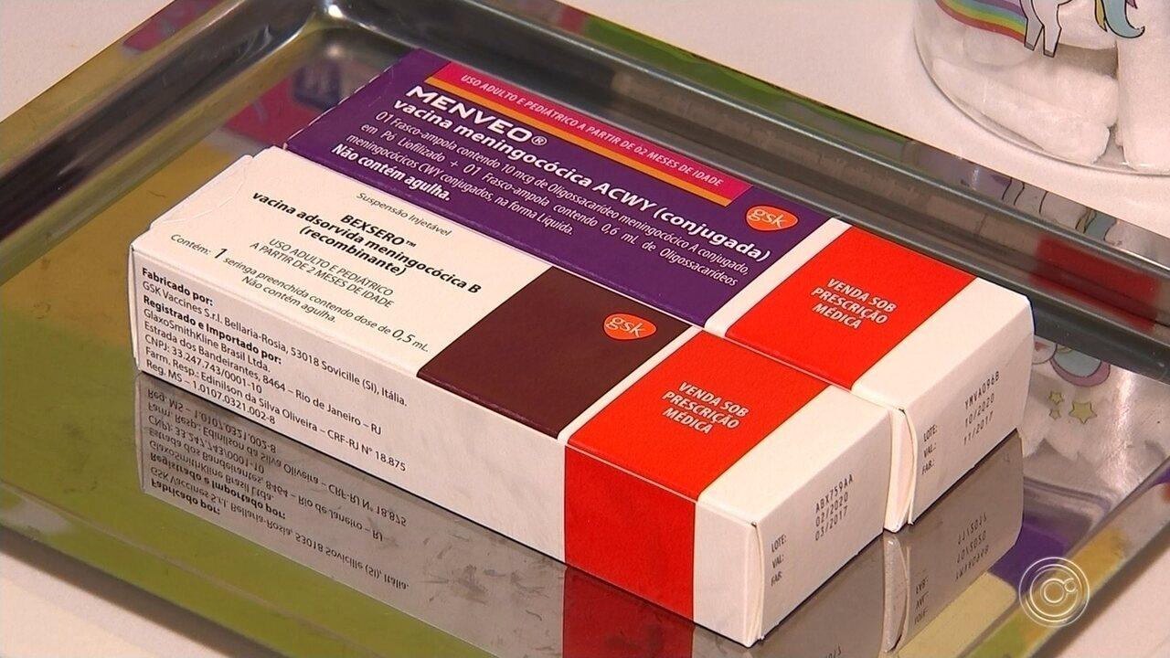 Manter a carteira de vacinação em dia é essencial para evitar a meningite em crianças