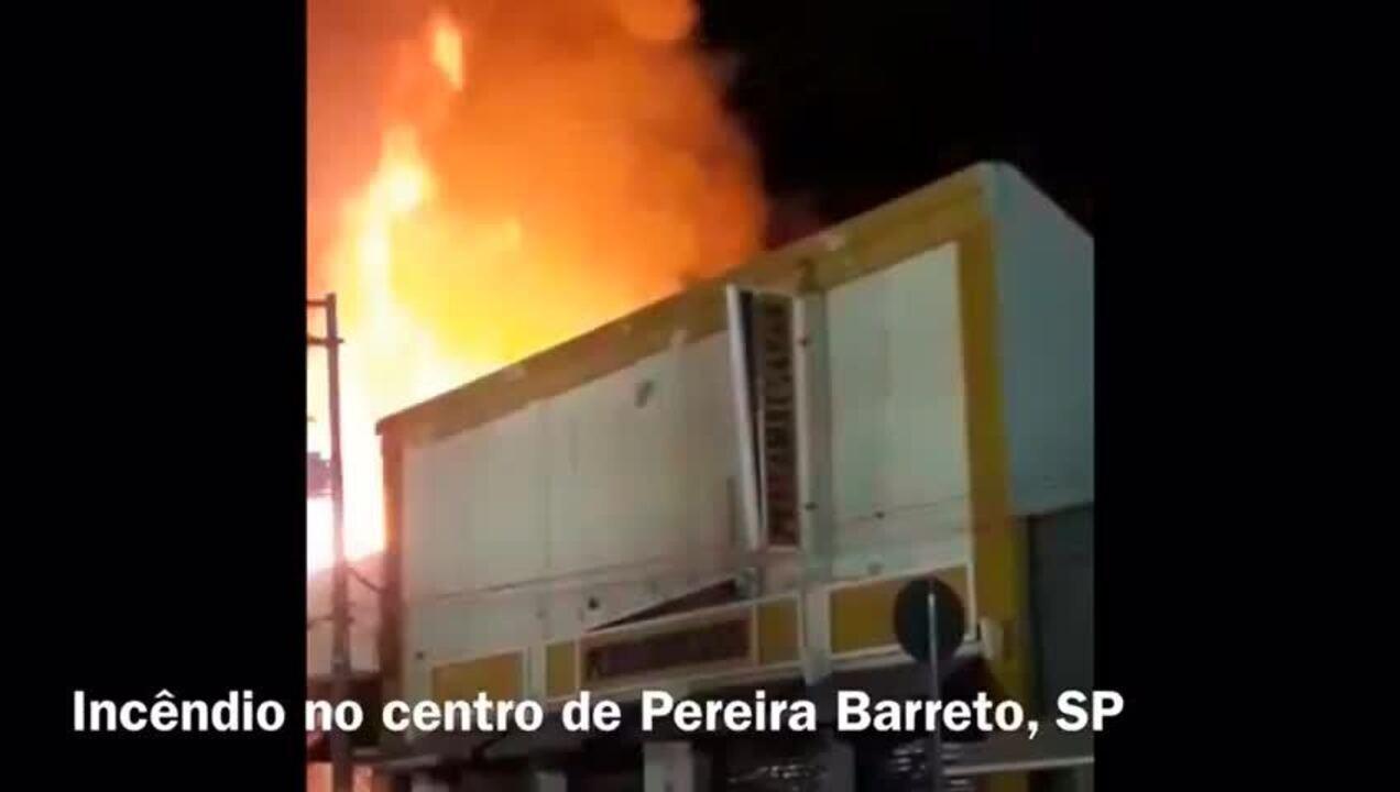 Incêndio atinge loja de móveis na área central de Pereira Barreto