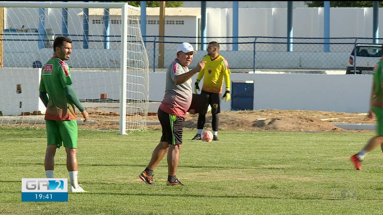 Neco vai treinar o Petrolina contra o Sport