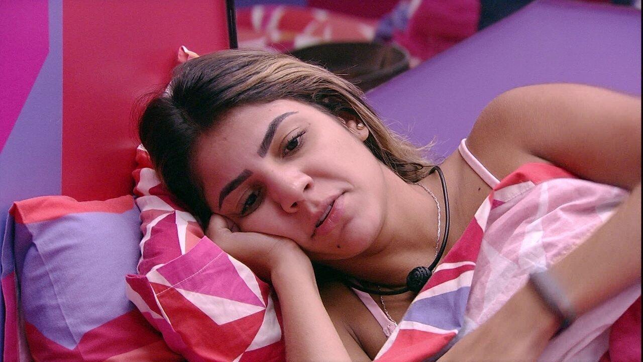 Hariany revela sonho a Paula: 'Tava namorando com uma menina'