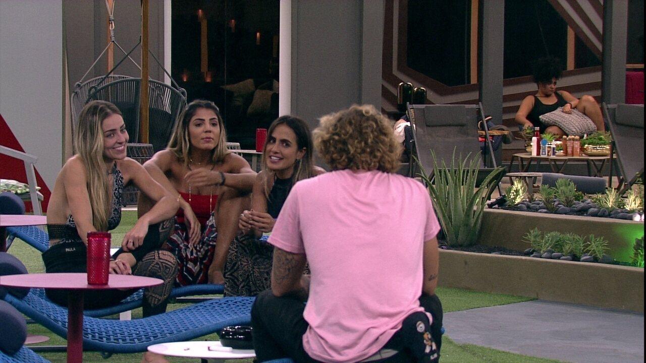 Carolina pergunta para Alan: 'Você ficou feliz pela gente?'