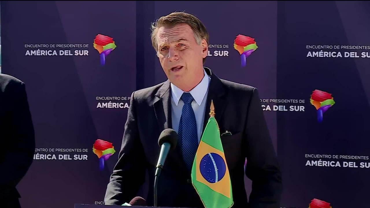 Bolsonaro diz que acordos políticos podem ter levado Temer à prisão