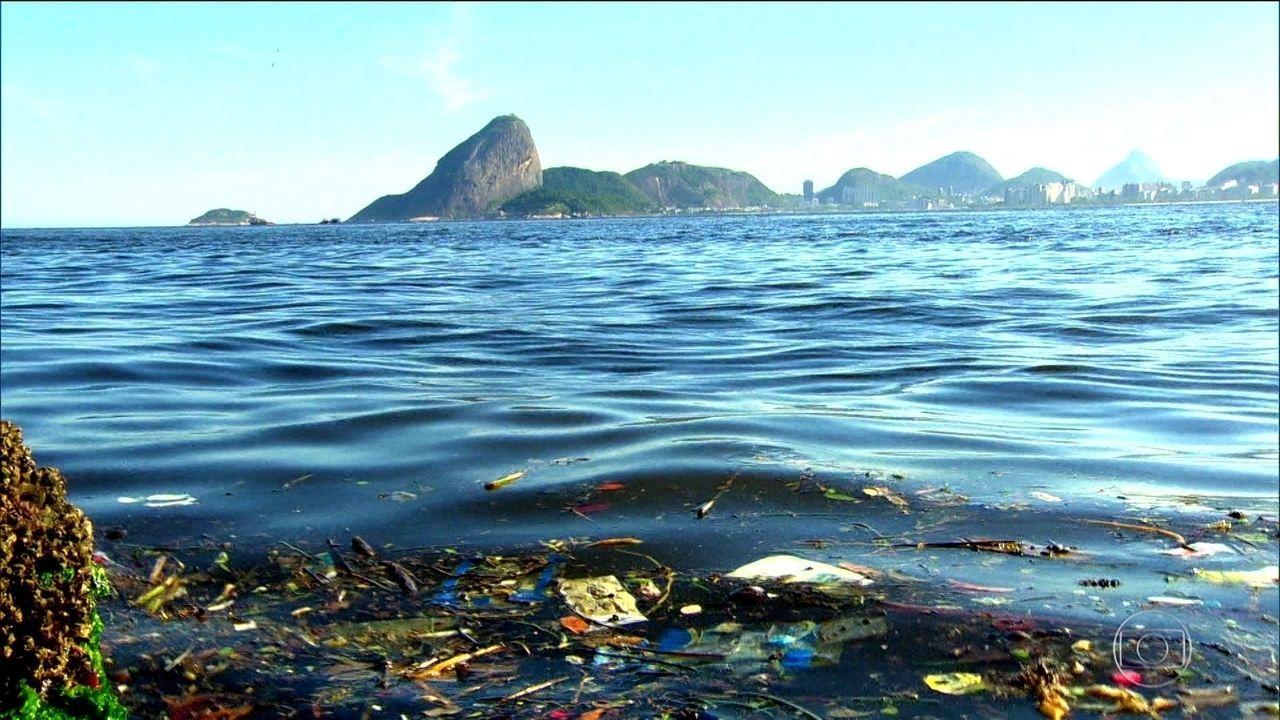 Pesquisadores calculam volume de lixo descartado nos rios e no mar