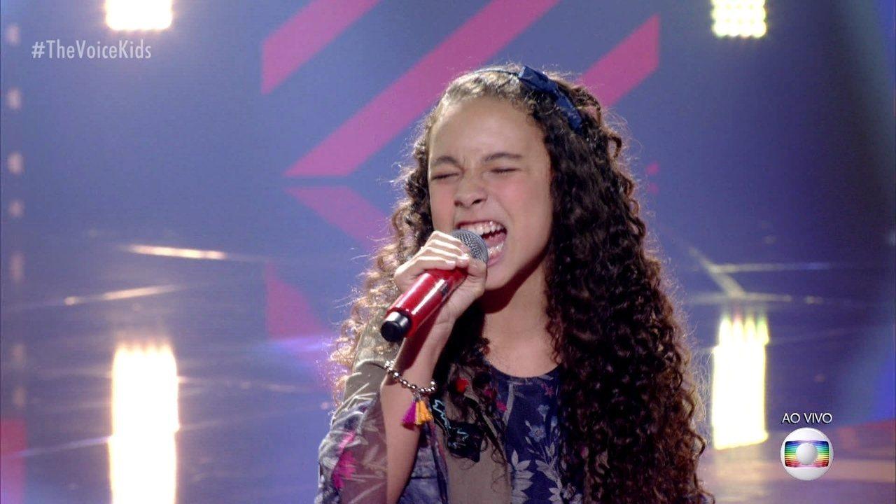 Luíza Barbosa canta 'Malandragem' e se classifica para a semifinal do 'The Voice Kids'