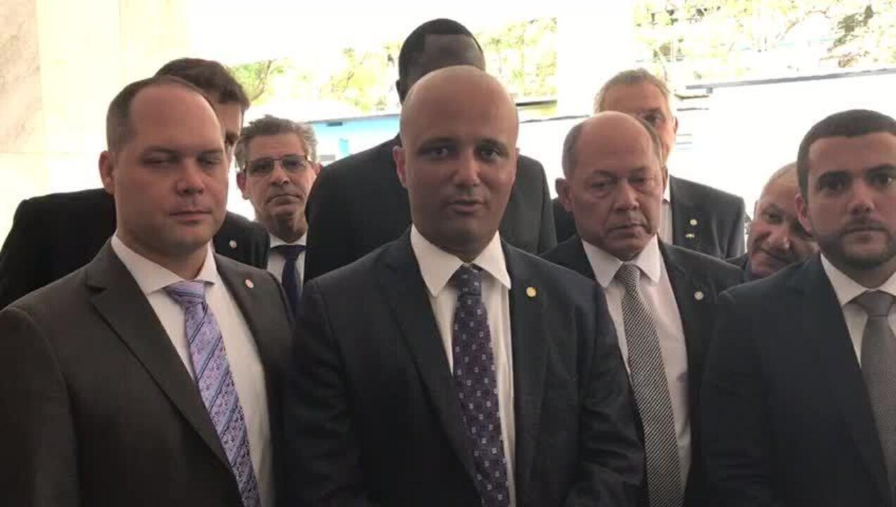 Líder diz que PSL está 'fechado' com reforma e resolverá 'angústias' internamente