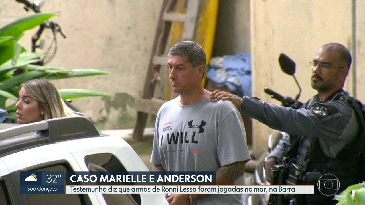 Marinha faz buscas por armas de PM acusado de matar Marielle e Anderson