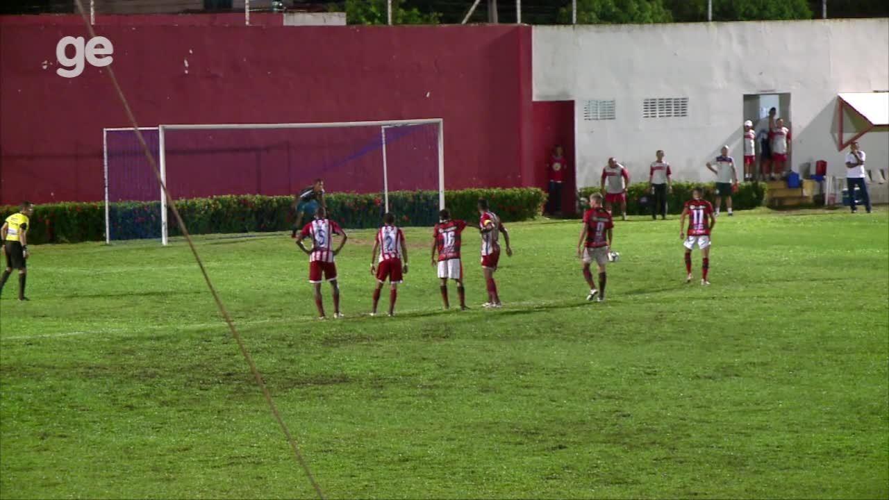 Juiz manda voltar lance, e Roni perde pênalti para o Flamengo-PI diante do 4 de Julho