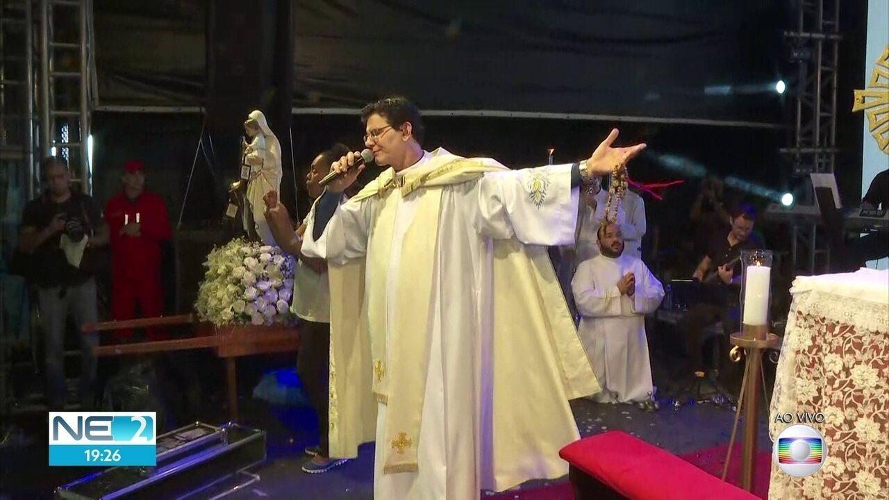 Padre Reginaldo Manzotti faz show de evangelização em evento beneficente no Recife