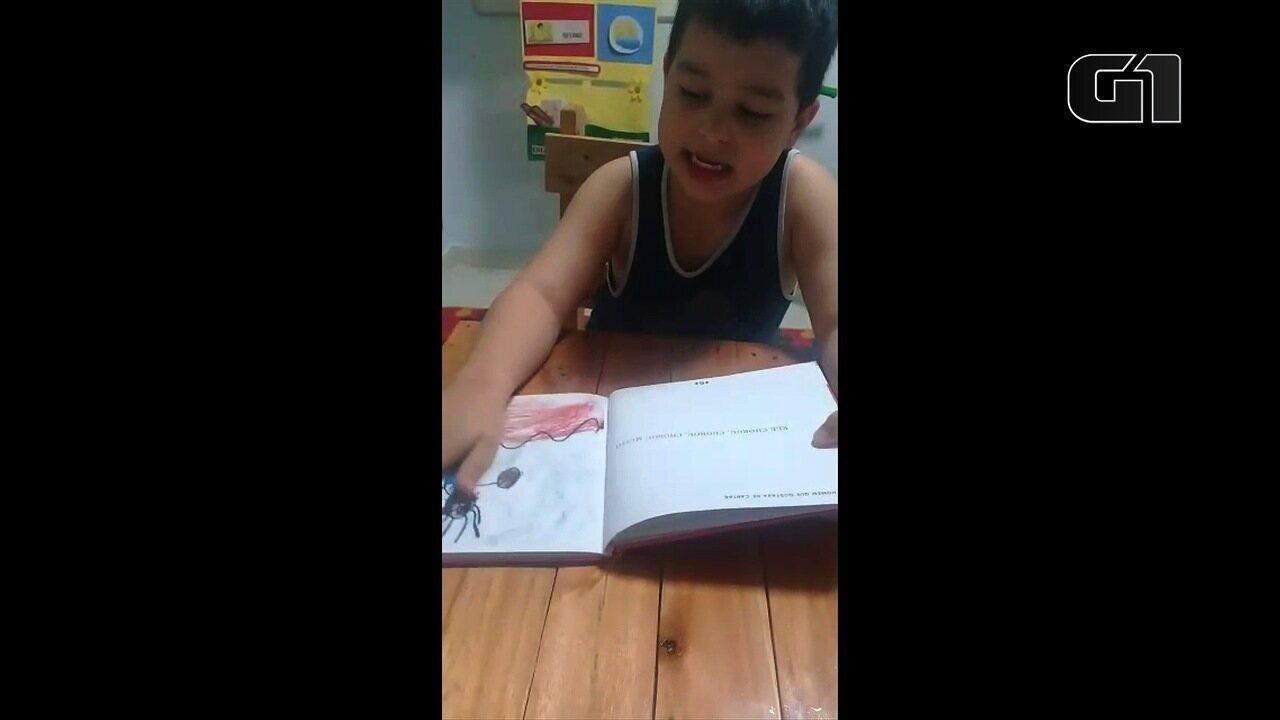 Garoto autista escreve livro sobre recuperar a própria voz, em Goiânia
