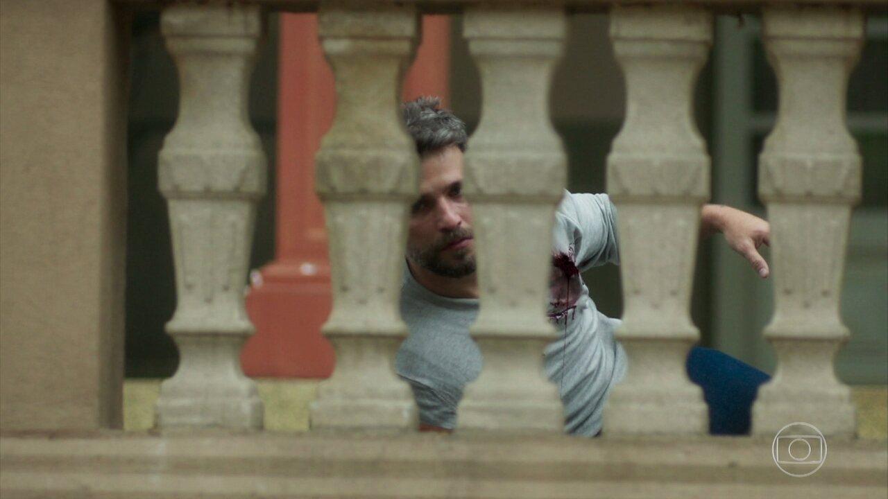 Gabriel leva tiro durante invasão