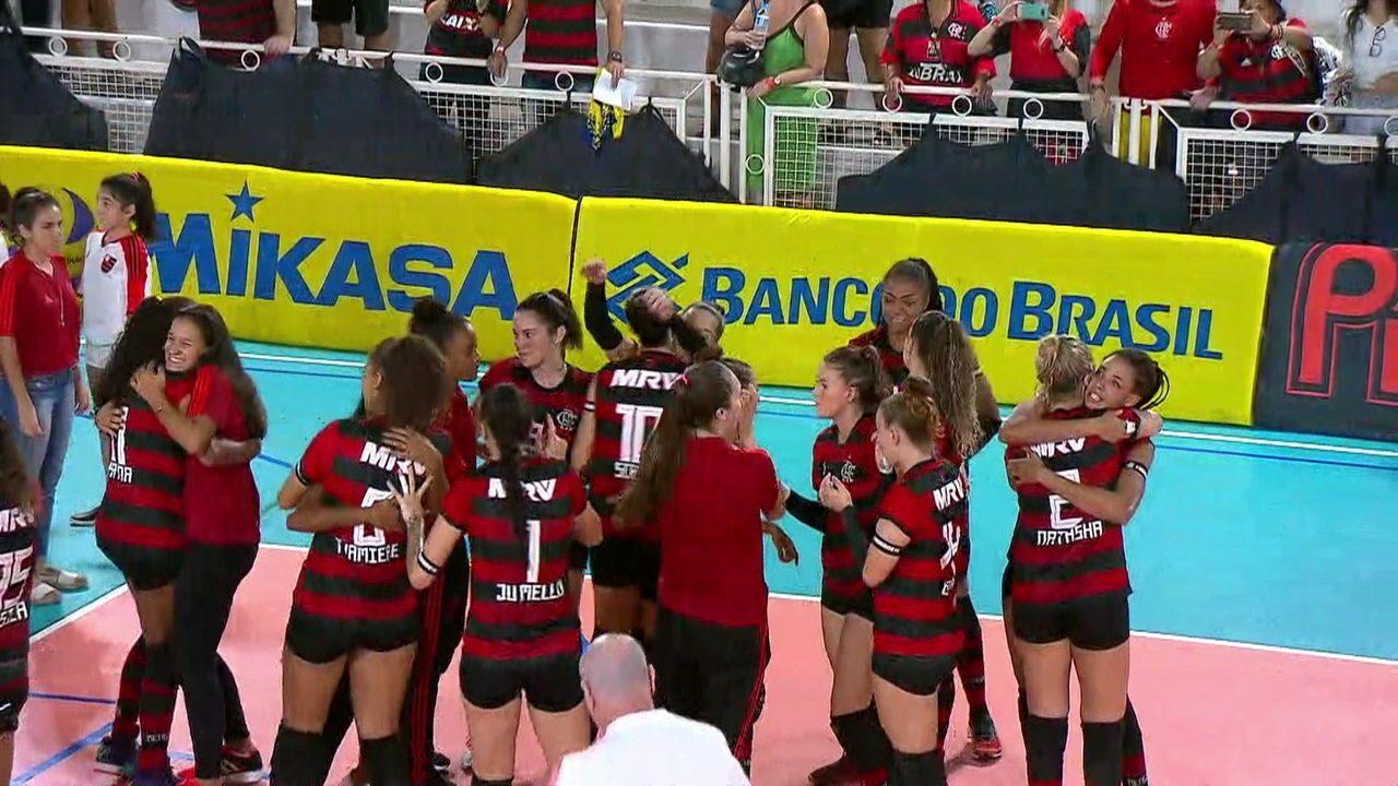 Flamengo vence Maringá pela Superliga B e se classifica para a final da competição, além de garantir vaga na elite do vôlei nacional na próxima temporada