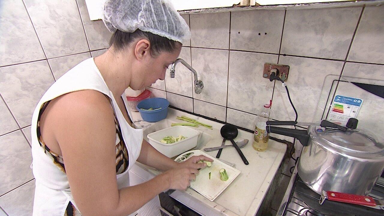 Após ficarem desempregados, casal de SP vende marmitas e sonha em ampliar a produção