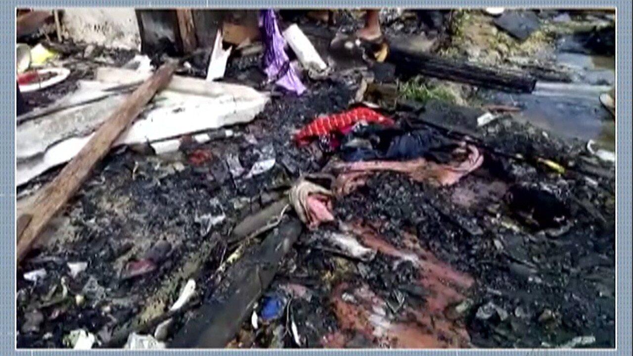 Incêndio destrói barracos em favela em Suzano