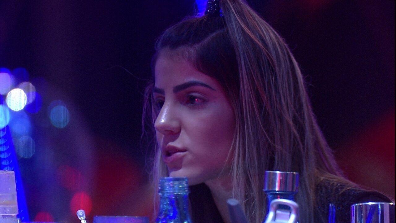 Hariany reclama com Paula: 'Eu estava inconsolável, olhei para trás e você estava rindo'