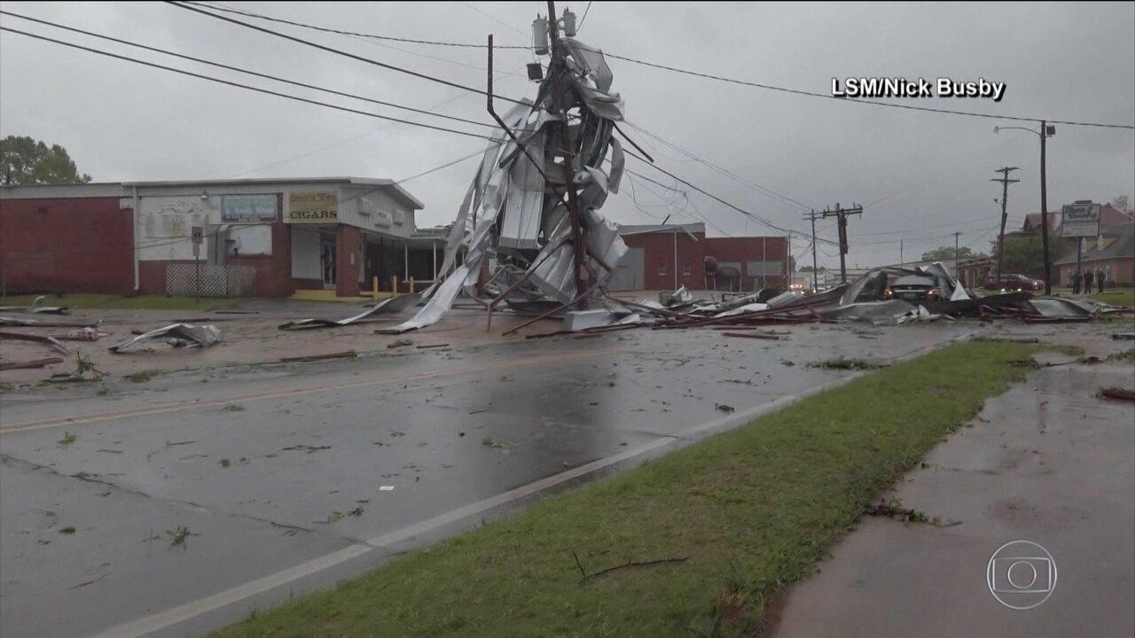 Dezessete tornados atingem o Sul dos Estados Unidos e deixa oito mortos