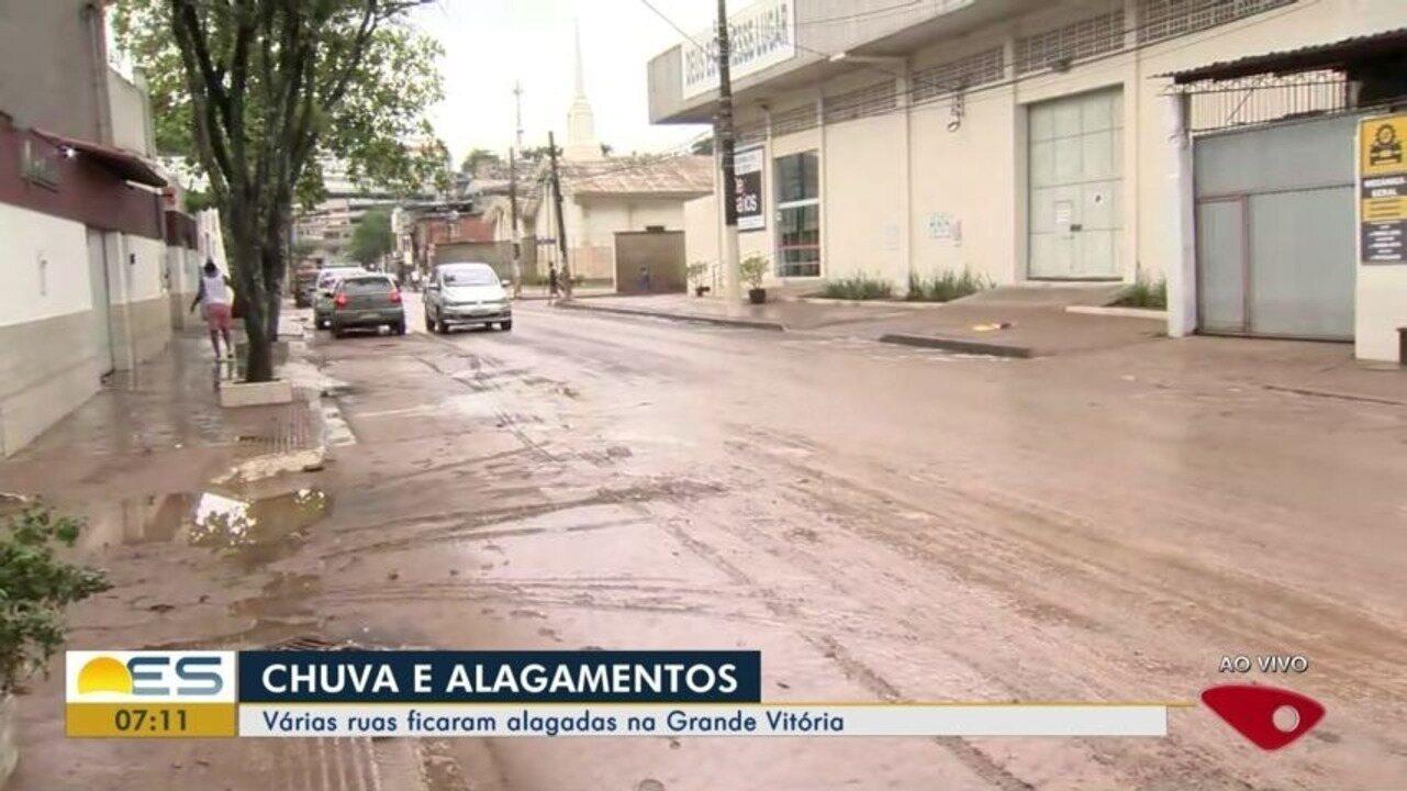 Chuva forte causa alagamentos na Grande Vitória