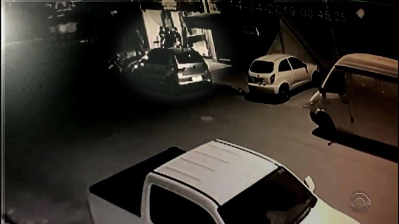 Dois jovens são assassinados na frente de um bar em Nova Hartz neste fim de semana