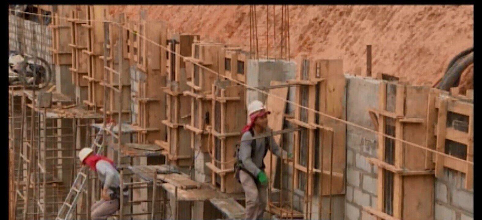 Obras de reparo na Avenida Paraná sofrem atraso, mas devem ser finalizadas essa semana