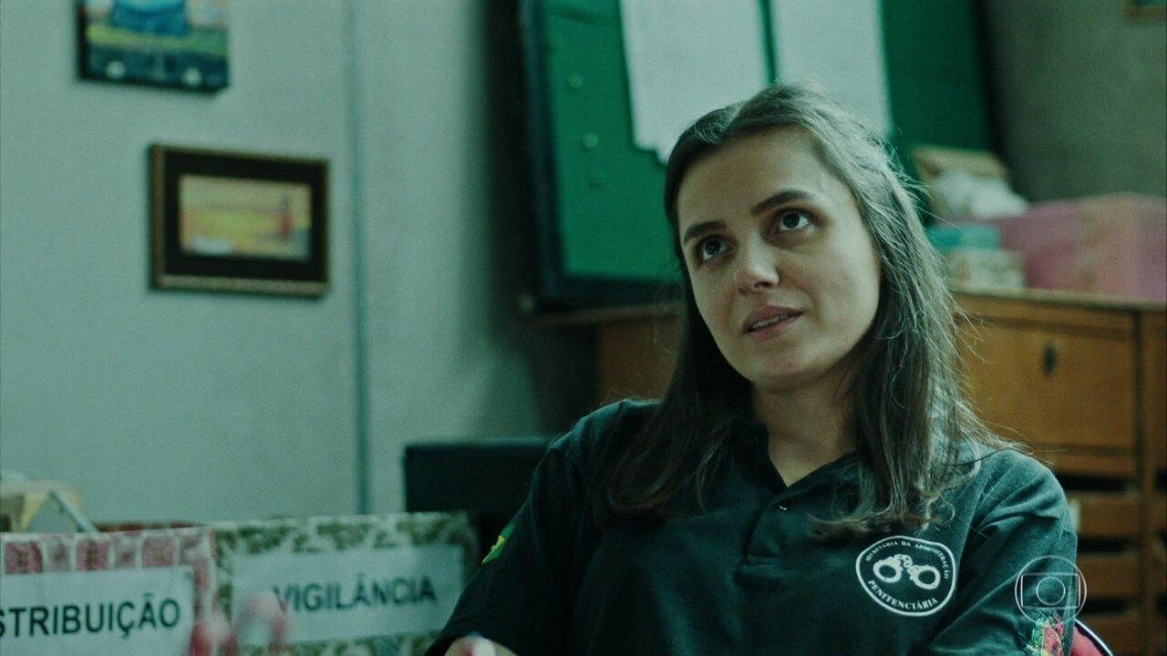 Daniela fica preocupada ao ler carta da namorada de Paraíba dizendo que cansou dele