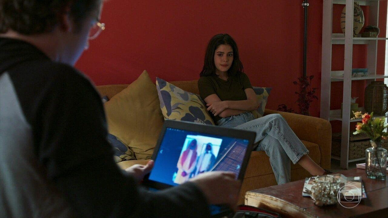 Laila não acredita quando Benjamin mostra a foto de Jamil com Aziz